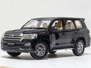 1:18 Kengfai Toyota Land Cruiser 200 Black Metallic RHD