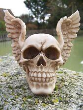 SK222 TETE MORT  FIGURINE  CRANE AVEC  CASQUE AILE  ANGE MOTO HEROIC   GOTHIQUE