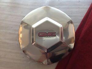 #C 2002 - 2007 GMC Envoy XL Polished OEM Center Cap P/N 9593396