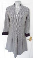 ❤ LATTE MADE IN ITALY Size 12 (IT 44/ EU40) Black White Stretchy Lagenlook Dress