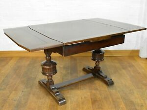 Antique vintage 4 - 6 seater draw leaf extending dining table