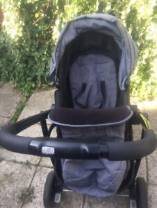 graco pushchair/pram. Can Be Facing Back Or Front. Can Also Be Used For Car Seat