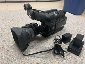 JVC GY-HD100 High Definition DV Camcorder Fujinon 5.5-80mm Lens