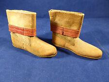 Antique tan cuir & daim low cut poupées bottes avec un cuir rouge bord