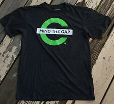 KCCO • KEEP CALM CHIVE ON • MIND THE GAP • Men's Shirt size SMALL