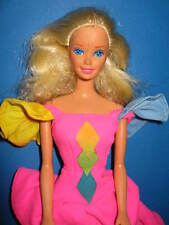 B70-ALTE BLONDE VINTAGE BARBIE IN ORIGINALEM PINKEN BARBIE-KLEID SEHR GUT