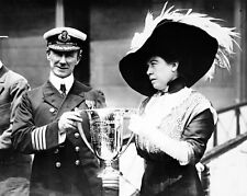 New 8x10 Photo: Unsinkable Molly Brown Gives Award to CARPATHIA Captain