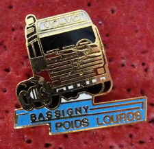 BEAU PIN'S CAMION VOLVO TRANSPORT BASSIGNY POIDS LOURDS EGF