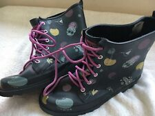 Girls Boots Size 3 UK ANIMAL black Purple print Wellie Boot Lace Up Emo Goth