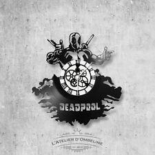 Horloge en disque vinyle 33 tours thème DeadPool