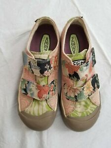 Keen 6.5 Hook & Loop Japanese Print 2-Strap Sneakers, Perfect Condition