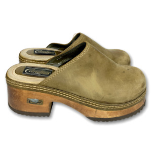 7.5 Vintage 1990s CANDIE'S Olive Leather Chunky Slip On Platform Clogs Shoes 90s