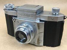 Praktiflex Vintage 35mm Film SLR Camera w/ 5cm f/2.9 Victar Lens #048182