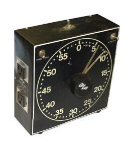 GRALAB 300 DARKROOM TIMER 125 VAC @ 750 WATTS