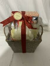 New In Package Natural Aromatic Bath Gift Set with Weaved Basket Vanilla Scented