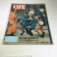 VTG Life Magazine September 27 1963 - The New Astronauts Go Head Over Heels