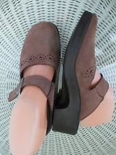 "Fly Flot Sz 39 (US 8.5) M Brown Leather Clogs Mules 2"" Heels Anti-Shock"