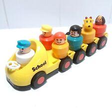 VTG BATTAT Children's Spinning School Bus Play Toy With 6 Figures