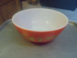 Vintage Pyrex Christmas Bowl Red with Gold Holly