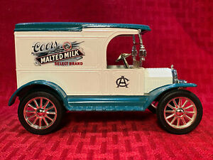 Ford 1917 Model T Van Bank with Key Ertl Limited Edition 2793