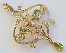 Stunning Antique Victorian 9ct Gold Peridot & Pearl set Pendant Brooch c1895