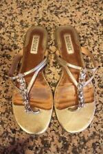 BADGLEY MISCHKA Women's Gold JEWEL THONG Flip Flops Size 9.5M (SAN100