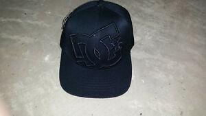 DC SHOES Hat Baseball Cap NOSWT Flexfit Black with Black Logo  XS S-M  L-XL