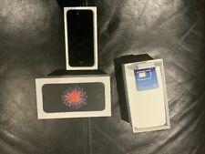 Apple iPhone SE - 32GB  (Unlocked) - Space Grey