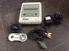 Super Nintendo SNES * KONSOLE Komplettset mit Original Controller * Sehr gut