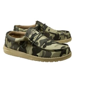 Hey Dude Men's Wally Canvas Camo Shoes 110067003