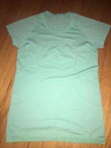 NWOT Lululemon Swiftly Tech Short Sleeve Shirt - Size 8