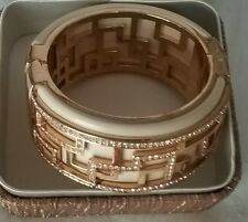 "PRINCESS AMANDA ""CHRISMA CLUB"" OPEN-ENDED bangle BRACELET SIZE M"