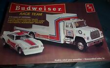 AMT 1/25 BUDWEISER RACE TEAM FORD RAMP TRUCK MUSTANG FUNNY Model Car Mountain