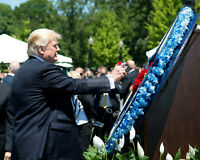 DONALD TRUMP @ PEACE OFFICERS MEMORIAL DAY CEREMONY IN 2017 - 8X10 PHOTO (AZ832)