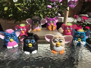 Lot of 8 VINTAGE 1998 Furbys All work except the purple and black one.