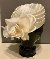 VTG 50'S-60'S BOSTON STORE*OFF WHITE FLORAL PLETAL PLEATED SILK TURBAN  HAT