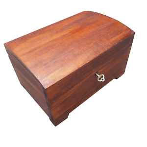 WOODEN MEDIUM JEWELLERY CHEST 20 CM LONG, CLOSED FOR KEY, IN BROWN COLOUR