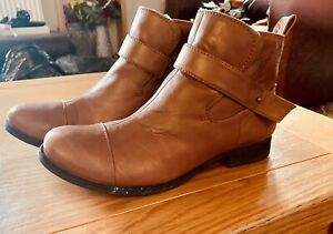 Clarks Tan Ankle Boot Size 5