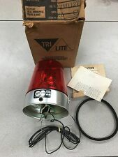 NEW IN BOX TRIPP LITE 12V RED ROTATING SAFETY LIGHT MV-IND