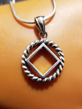 ss002- Narcotics Anonymous NA Twisted Wire Symbol Pendant -925. Ster Silver