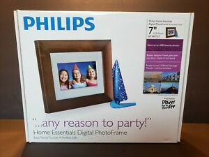 "Philips Home Essentials 7"" Digital Photo Frame LCD Panel Brown Wood SPF3407 / G7"