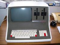 ULTRA RARE VINTAGE INTERTEC SUPERBRAIN QD COMPUTER (VGC)