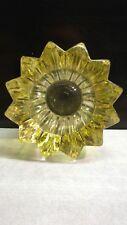 VASE PIERRE D'AVESN GLASS 1901-1990 DE COULEUR JAUNE SIGNATURE EN RELIEF