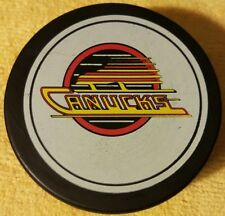 VANCOUVER CANUCKS NHL HOCKEY PUCK  VINTAGE VICEROY MADE IN CANADA OLD GEM!