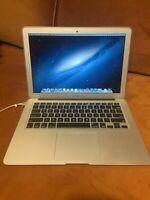 Macbook Air - 13 inch - Mid 2013 - 1.3GHz - 4GB RAM - 120 GB HD