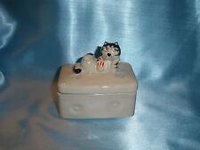 Takahashi Tom Cat Lying Down Trinket Box Figurine vintage cute