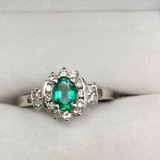 Beautiful Ladies Emerald Ring *May's Birthstone* Great Birthday Present!
