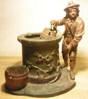 Ancienne statue en régule Enfant prés d'un puits signée A.DUCHE