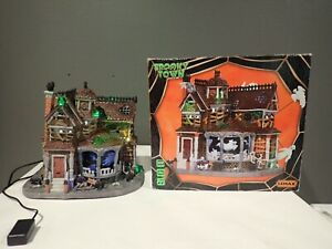 LEMAX Spooky Town Halloween Last House on the Left 35548 RARE & RETIRED ~READ~