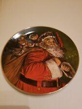 "1987 Avon Christmas Plate ""The Magic That Santa Brings"" Porcelain Plate 22K Gold"